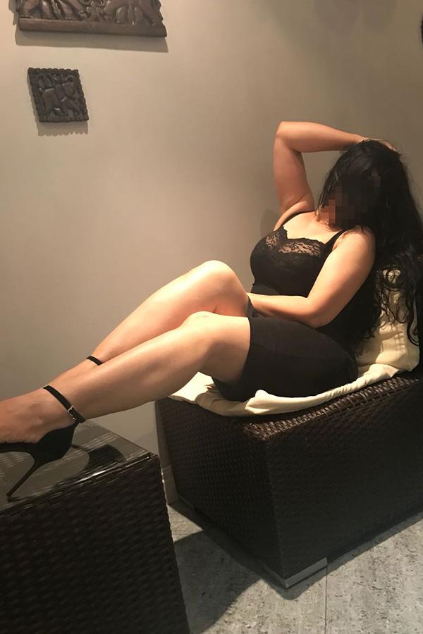 Массажистка Дина — салон эротического массажа Феникс, Москва