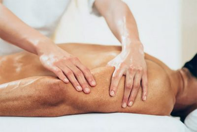 услуги спортивного массажа, которую исполняют массажистки салона Феникс со СПА в Москве