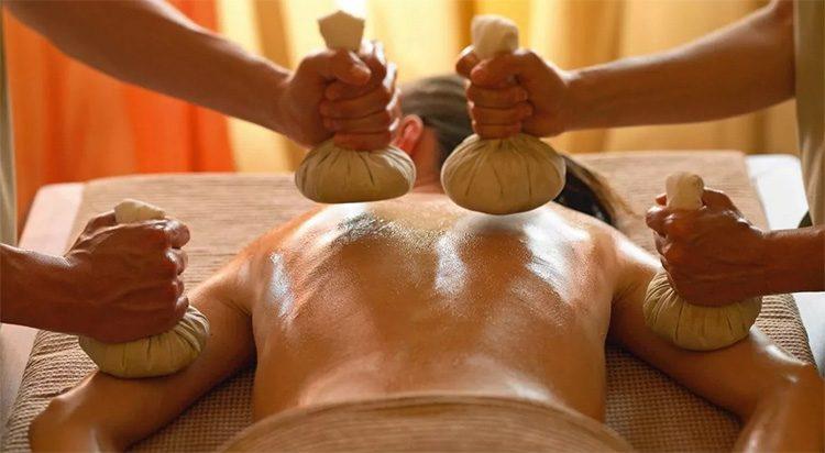 как мешочки с травами используются в тайском массаже